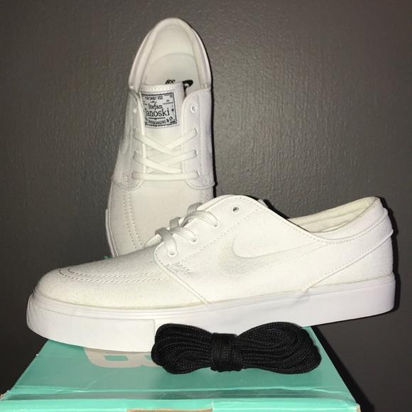 Zapatos Zoom Nike Sb Zoom Zapatos Stefan Janoski Lienzo Blanco 7 8 Poshmark 7cdb53
